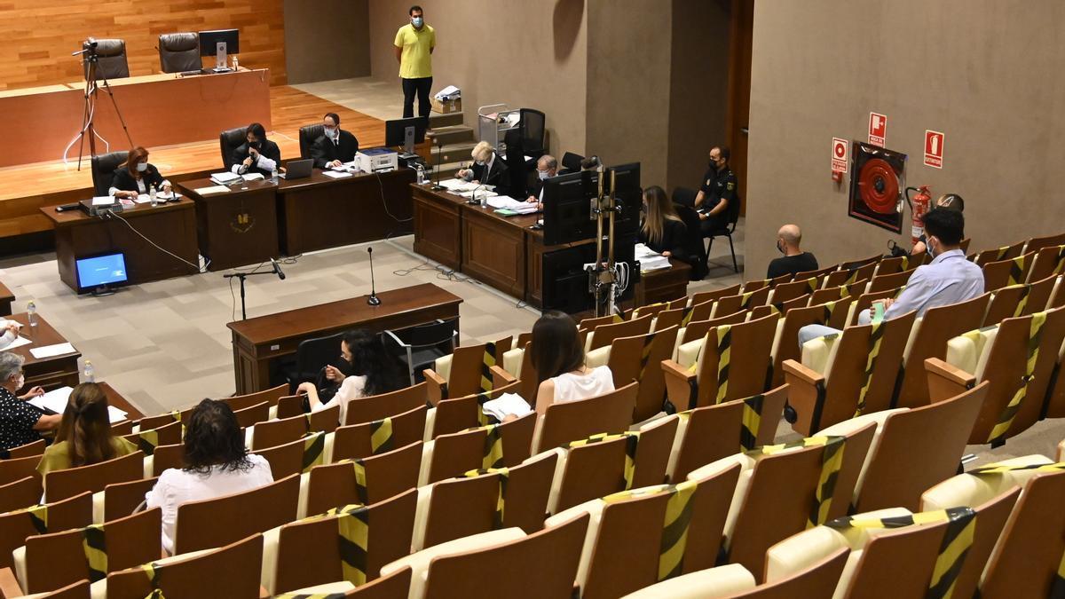 Imagen del juicio con jurado popular, celebrado estos días en el salón de actos de la Ciudad de la Justicia.
