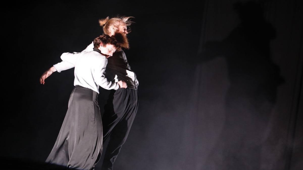 Una coreografía en el Antiguo Instituto.