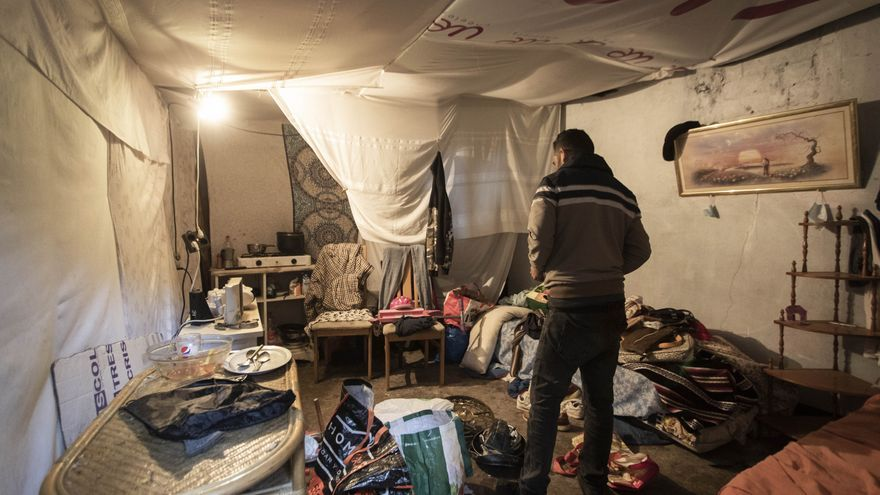 Medio millar de personas viven en asentamientos como el que se incendió en Badalona