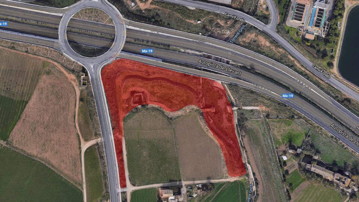 Situación de las cuatro 'quarterades' de propiedad municipal cedidas por Cort al Consell junto el torrente Gross en el Molinar.