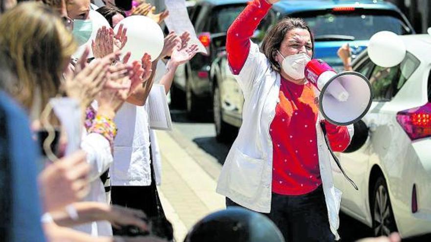 Sanidad y los médicos temporales reactivan el diálogo tras la huelga