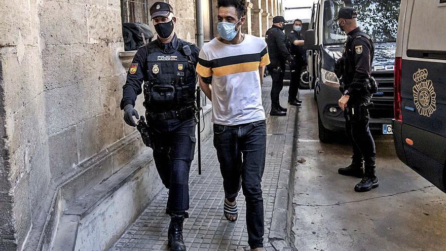 El cabecilla de los ladrones de Pere Garau viajó a Mallorca cuatro veces en patera