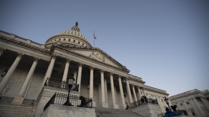 Muere un policía y otro resulta herido en un atropello a las puertas del Capitolio