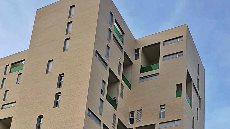 Residentes de Paterna piden al Consell «diálogo» en la adjudicación de pisos
