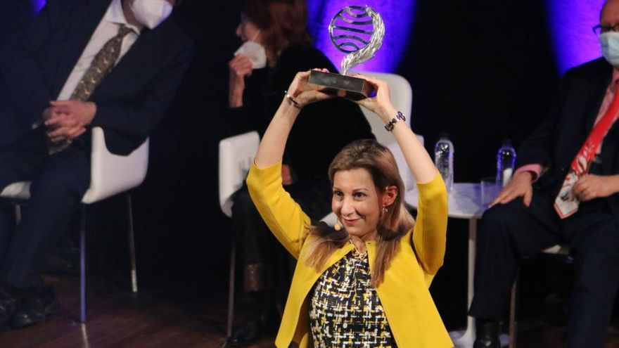 Eva García Sáenz de Urturi guanya el 69è Premi Planeta amb la novel·la «Aquitania»