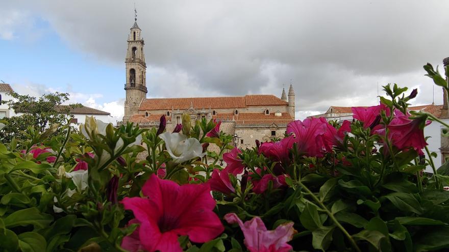 Más de 75 patios, cruces y balcones, en el concurso de Hinojosa del Duque
