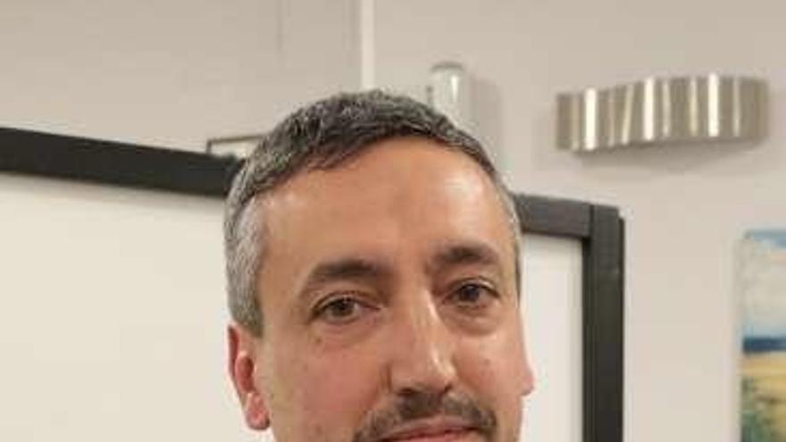 Hermandad de las Siete Palabras: Roberto Ariza, actual viceabad, único candidato