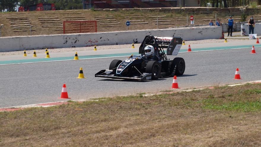 El cotxe de curses de la UPC Manresa va obtenir el seu millor resultat al circuit de Montmeló