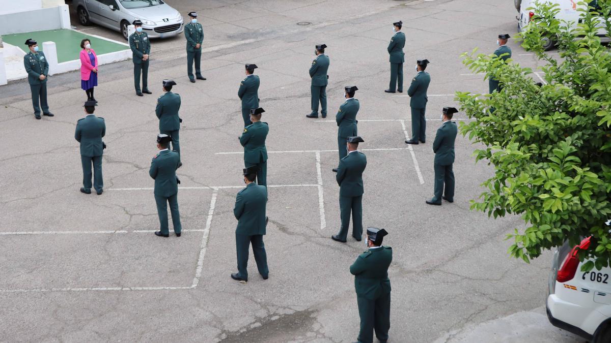 Presentación de los guardias civiles.