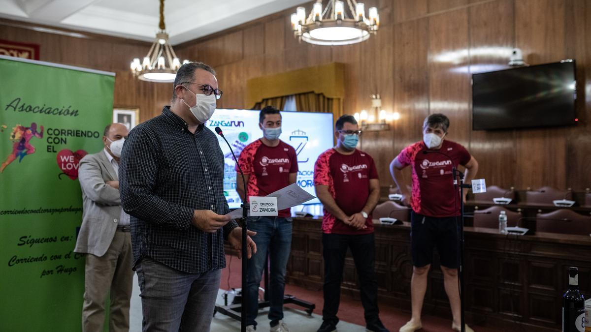 El diputado de Deportes, Jesús María Prada, en el acto de presentación del Zangarun