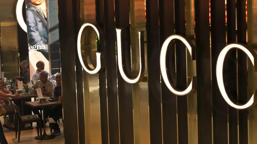 La bisnieta del fundador de Gucci dice haber sufrido abusos desde los 6 años