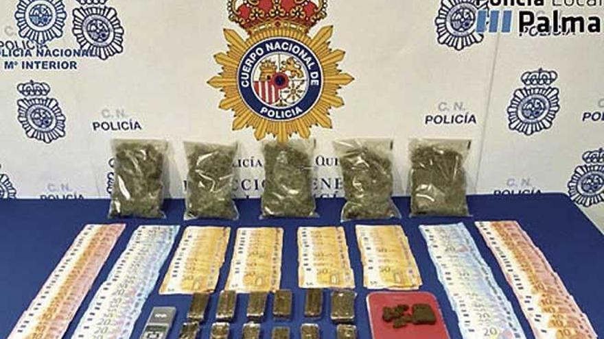 La Policía desmantela un punto de venta de droga en la plaza de es Fortí, en Palma