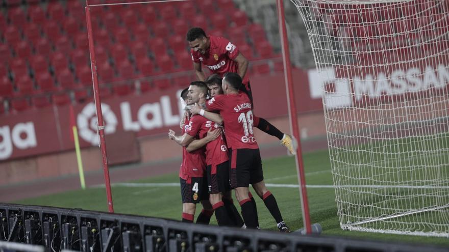 El Mallorca golea a la Ponferradina (3-0)