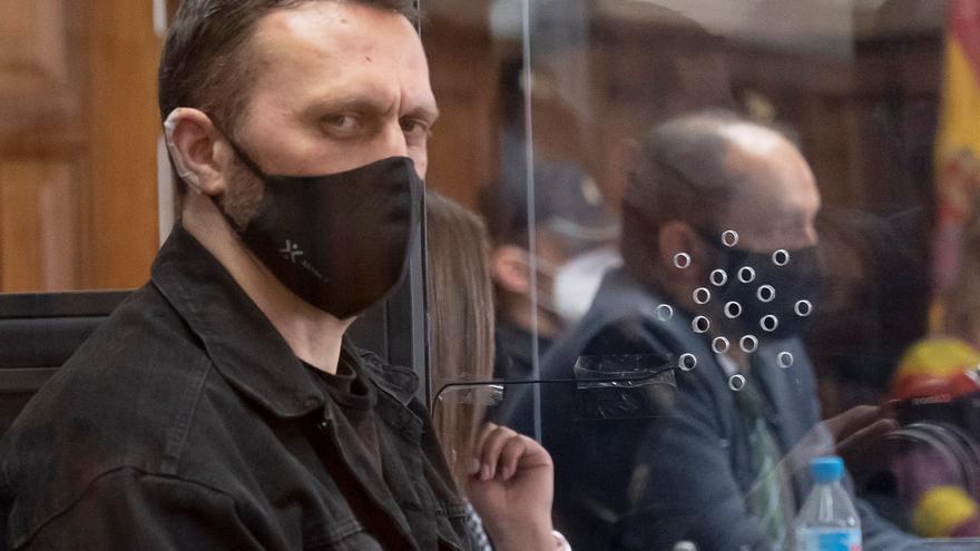 """Igor el Ruso amenaza con """"buscar a cada"""" funcionario de prisiones cuando regrese del juicio de Teruel"""