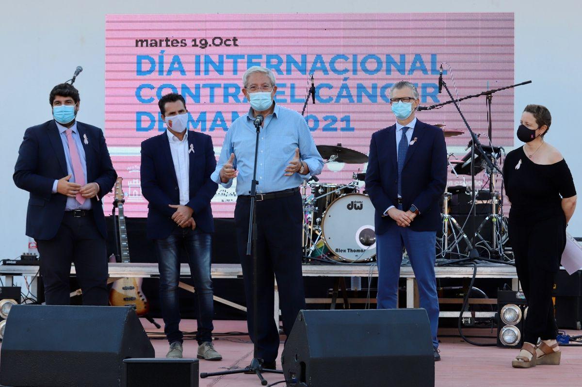 Acto por el Día Mundial contra el Cáncer de Mama en Murcia