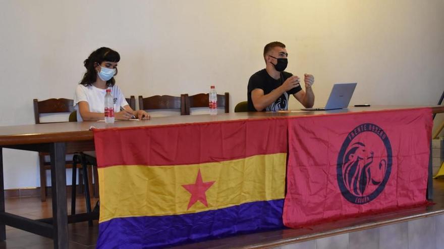 Monjo multa con 6.750 euros a un  joven por colgar carteles contra él