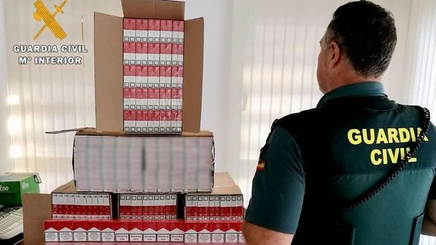 La Guardia Civil aprehende 3.000 cajetillas de tabaco de contrabando en La Carlota