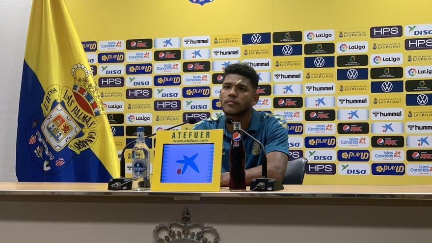 """Ferigra y sacar el balón jugado en la UD Las Palmas: """"Depende de la confianza del futbolista"""""""