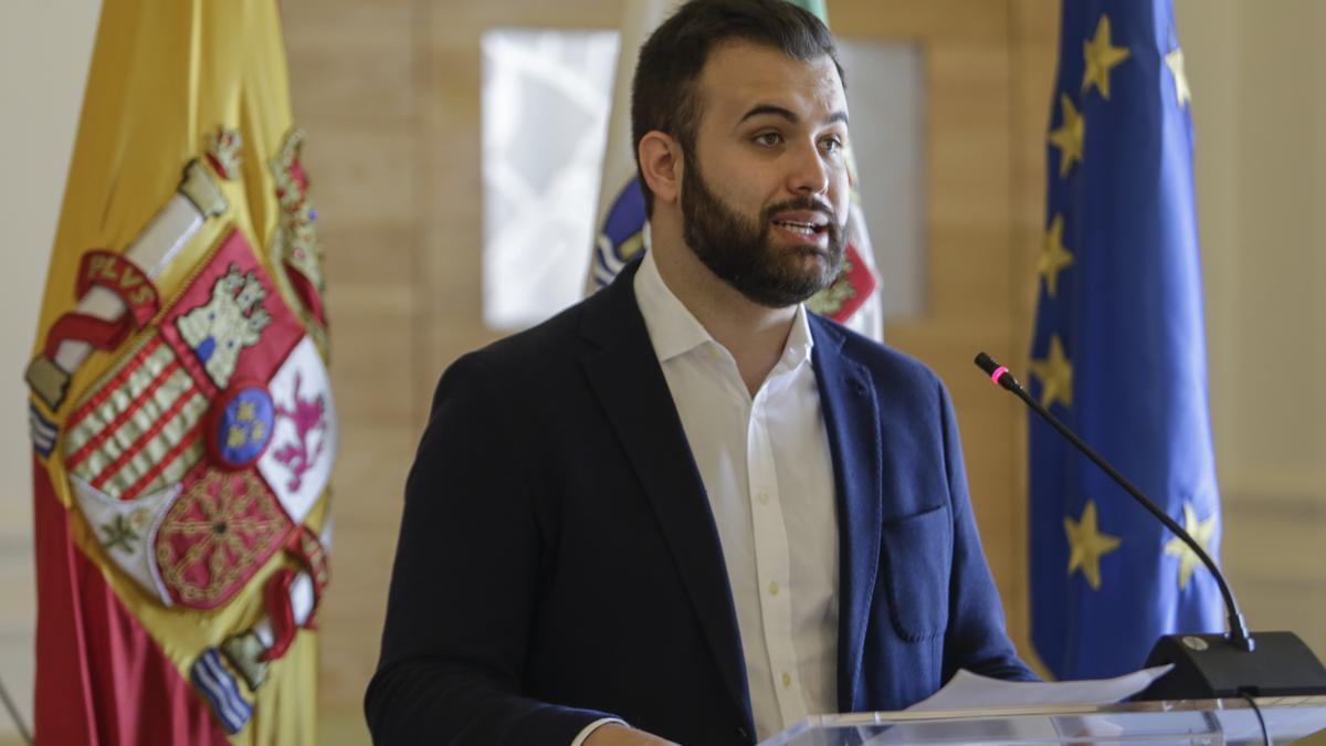Luis Salaya.