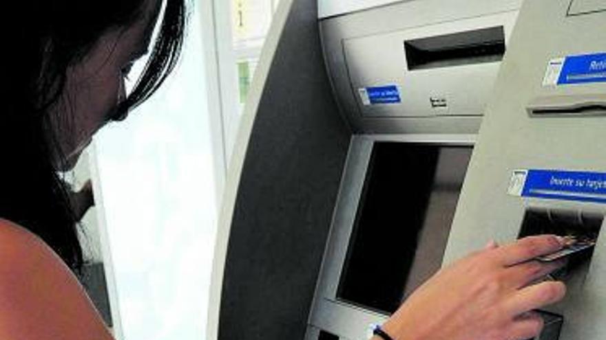 La reestructuración bancaria reduce a la mitad el número de oficinas en Zamora