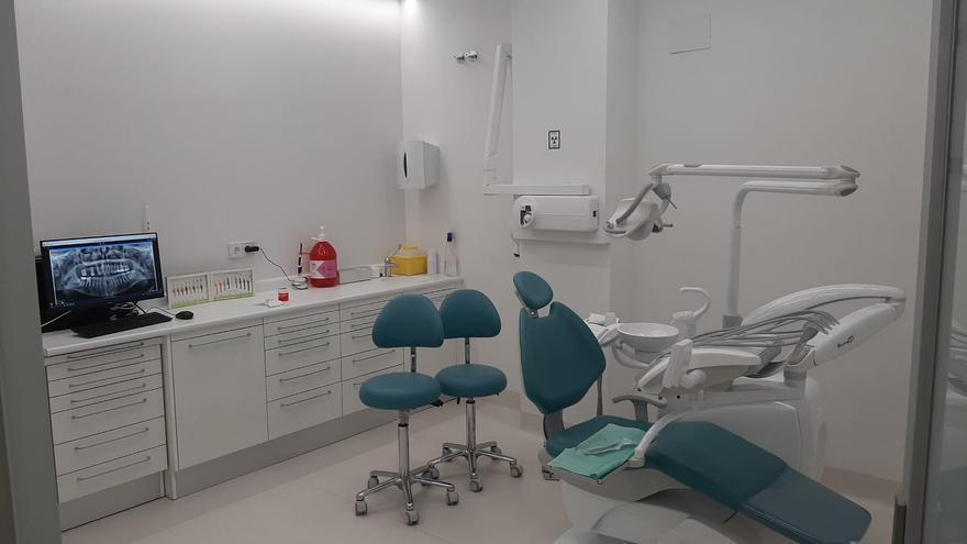 """La Clínica Dental Aragonia """"implanta"""" el novedoso método de las cargas inmediatas"""