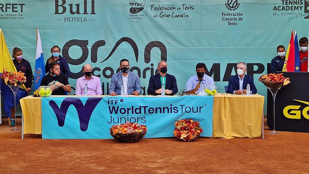 Acto de presentación del ITF Júnior Gran Canaria Yellow Bowl, celebrado ayer en las instalaciones de El Cortijo. | | LP/DLP