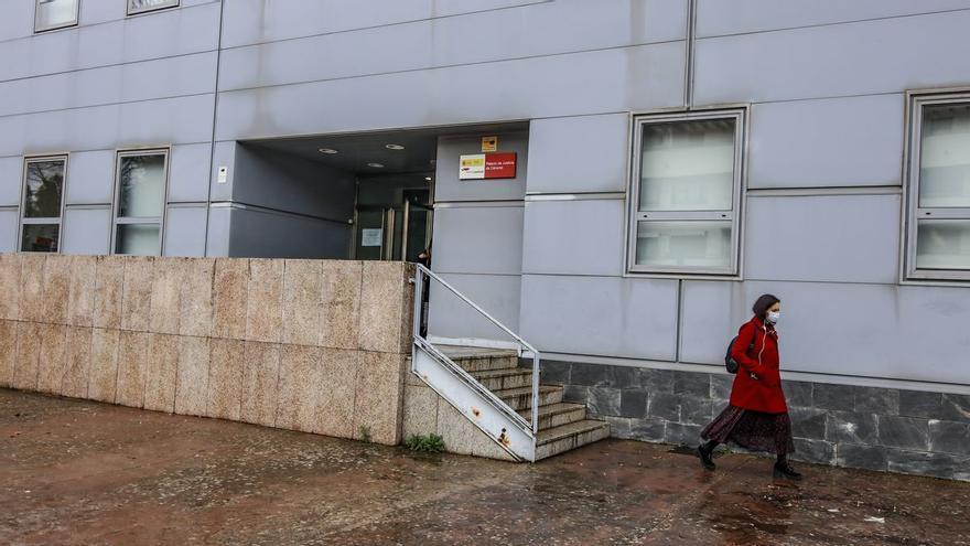Un hombre de 60 años contrata a una menor y abusa de sus cuatro amigas en Cáceres