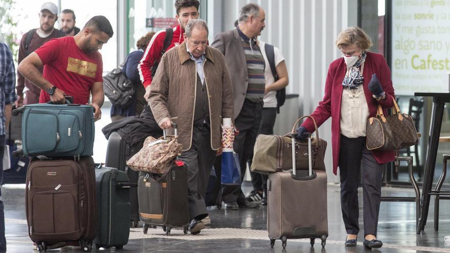 Renfe duplica desde el domingo los servicios del AVE y Euromed desde Alicante