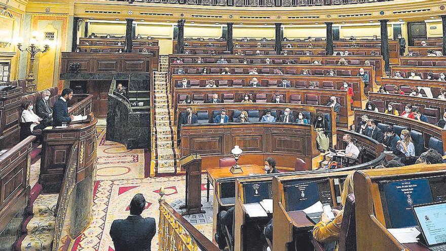 El PSOE y Podemos avalan votar el plan antidesahucios pese al aviso de los letrados