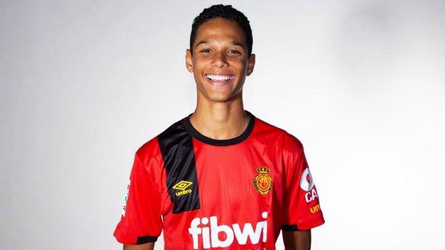 El hijo de Etoo ficha por el Atlético Baleares juvenil
