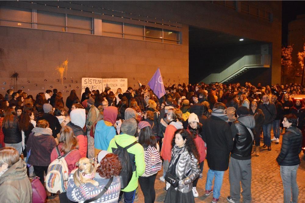 Mig miler de persones es manifesten a Manresa cont