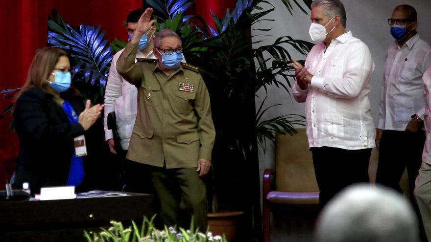 Raúl Castro anuncia su retirada como líder del Partido Comunista de Cuba