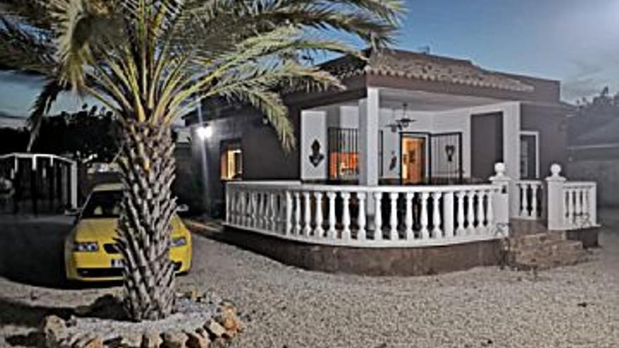 190.000 € Venta de casa en Cullera 95 m2, 2 habitaciones, 1 baño, 2.000 €/m2...