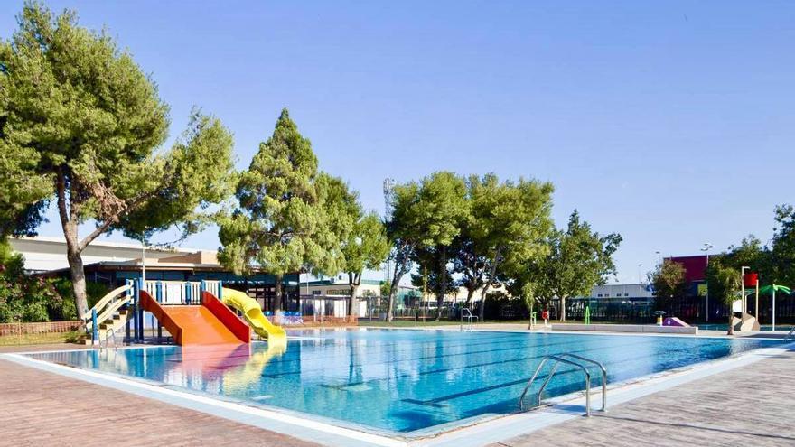 Massanassa establece turnos en la piscina ante el repunte de contagios