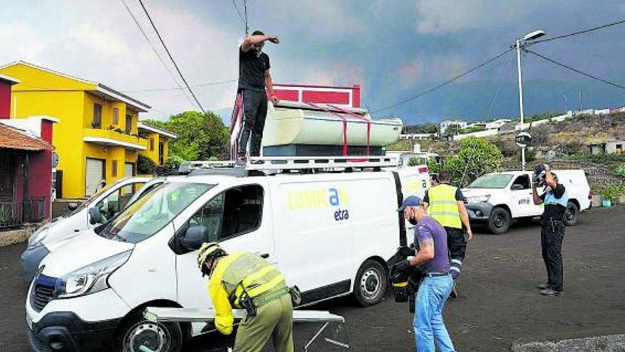 Los autónomos exigen ya el pago de las ayudas o no podrán sobrevivir al desastre del volcán