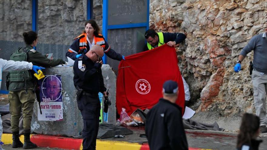 Dos israelíes y tres palestinos mueren en Cisjordania