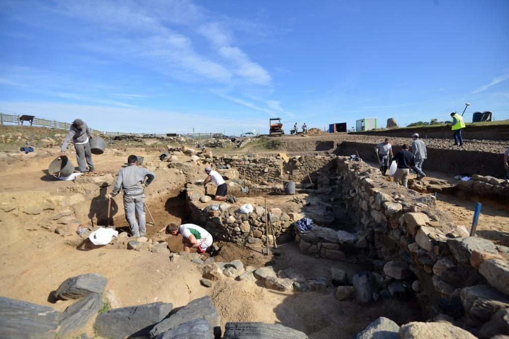 Cornelia, un esqueleto de 2.000 años en A Lanzada