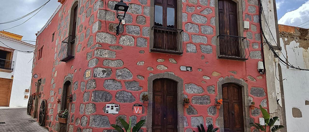 Una vivienda vacacional Rural Suites Santiago de Tunte, en la capital del municipio.