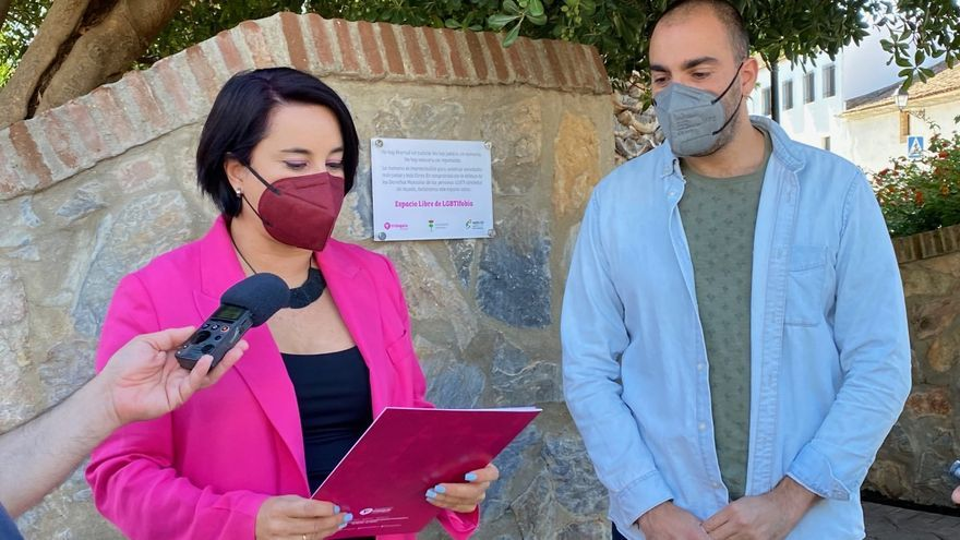 El parque de Santa Clara de Almendralejo ya es un espacio libre de LGTBI fobia