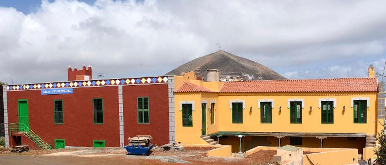 la casona de Villa Melpómene, en venta. El ala derecha, de colora marillo, construcción posterior y remodelada hace poco, no forma parte de la operación.