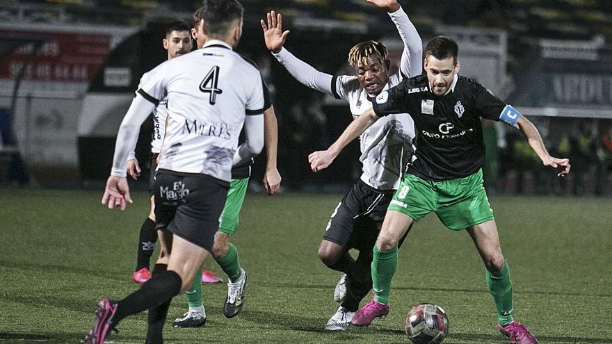 Tercera División de Asturias: La calidad del Caudal vence al corazón del Lenense (3-2)