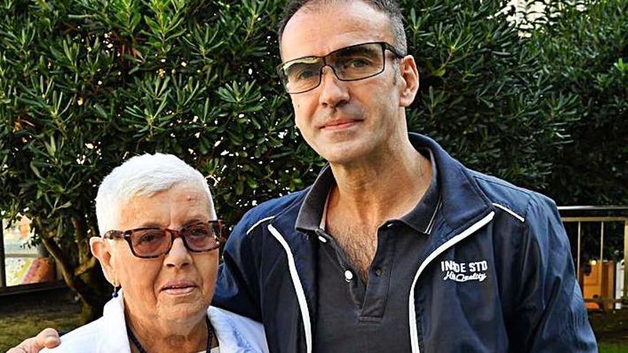 José Araújo y su madre, Pilar Rocha.
