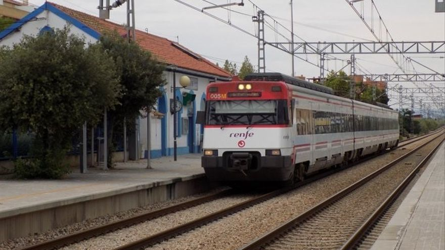 Descarrila en Barcelona un tren de Rodalies