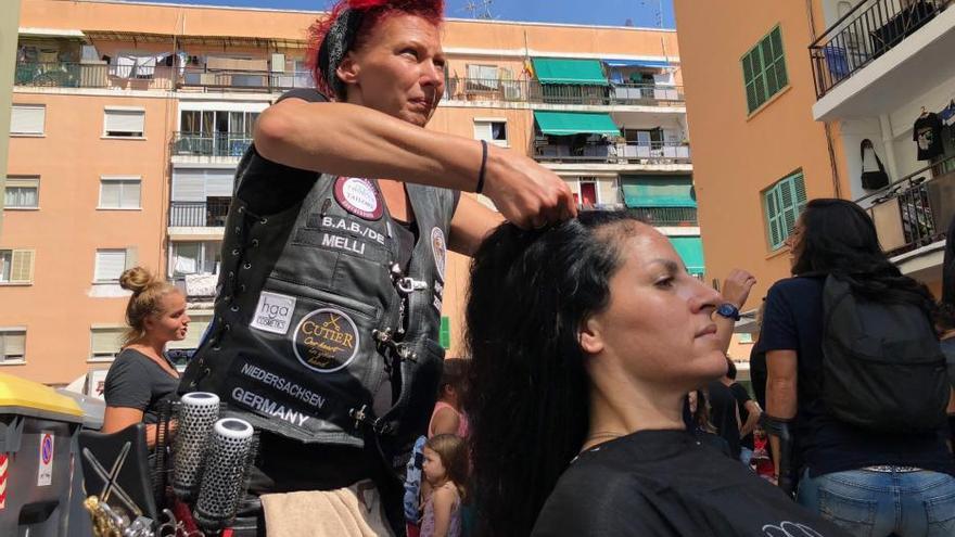 600 Haarschnitte in Son Gotleu: So lief die Premiere für die Barber Angels auf Mallorca