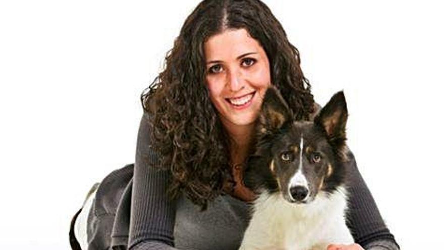 """Ana Belén Ondategui: """"Practicar """"agility"""" ayuda a ejercitar el cuerpo y la mente de los perros"""""""
