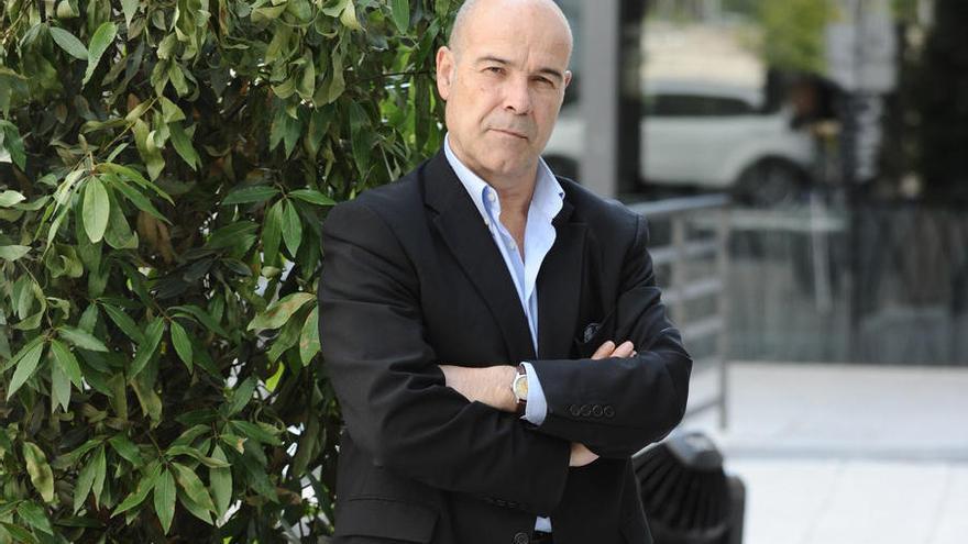 Antonio Resines hace una donación a CineCiutat