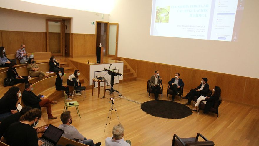 La Cátedra del Mármol arranca en la UA con un debate sobre la sostenibilidad del sector