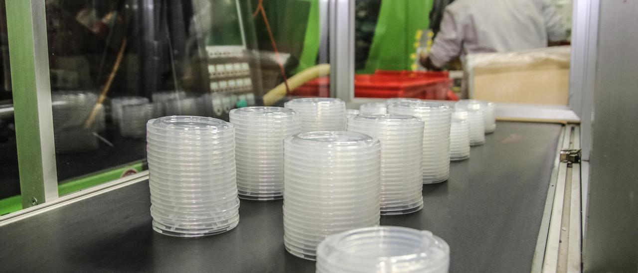 Una empresa de envases plásticos.