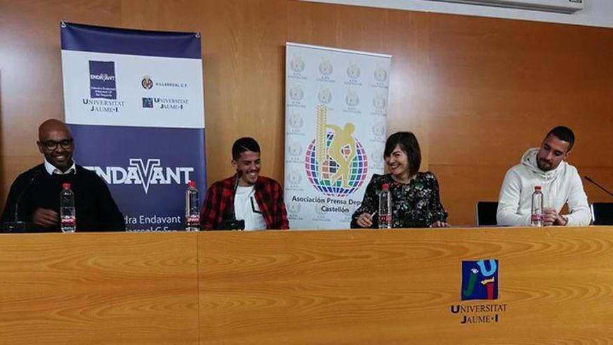 Asenjo y Fornals analizan en la UJI sus opciones de ir a la Selección Española