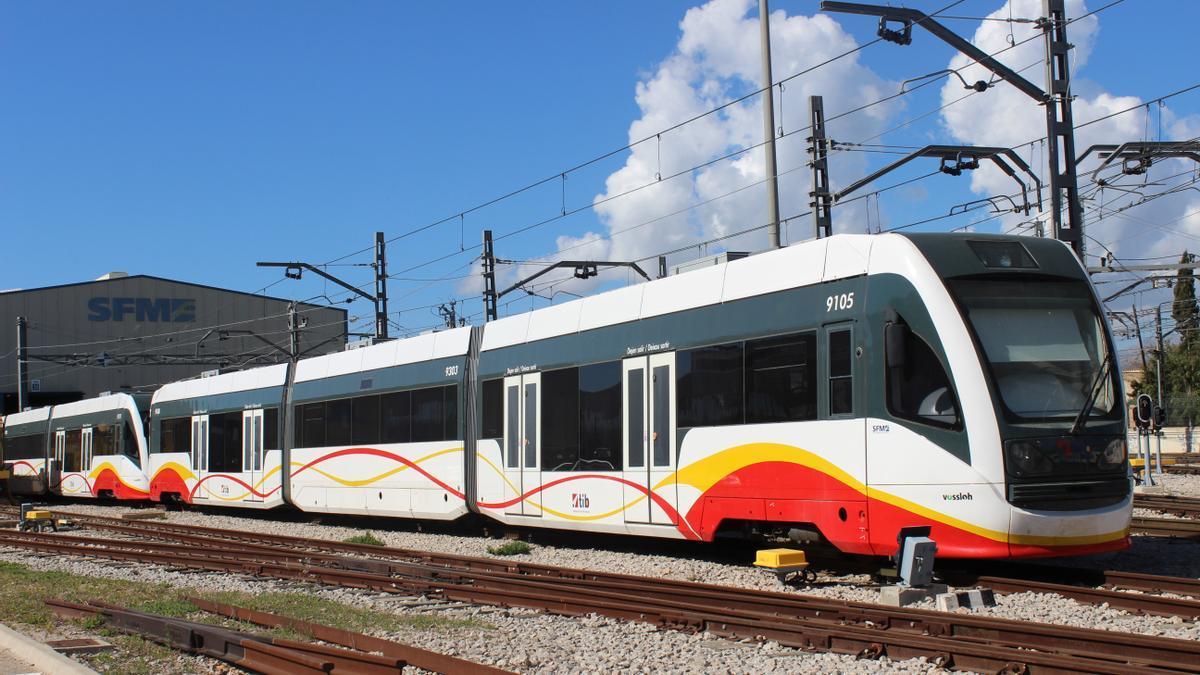 Imagen de un tren-tram como el que entrará en circulación en 2022 en la línea Palma-sa Pobla